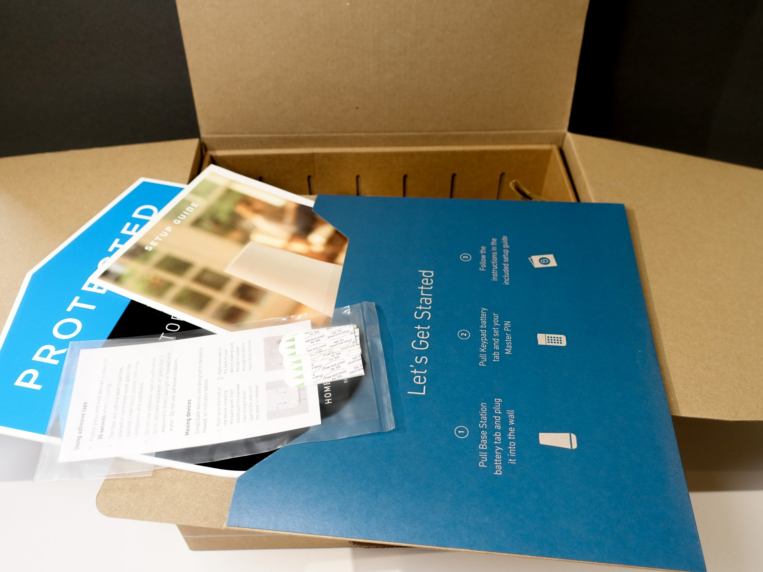 What's in the box 1 (SimpliSafe Kit)